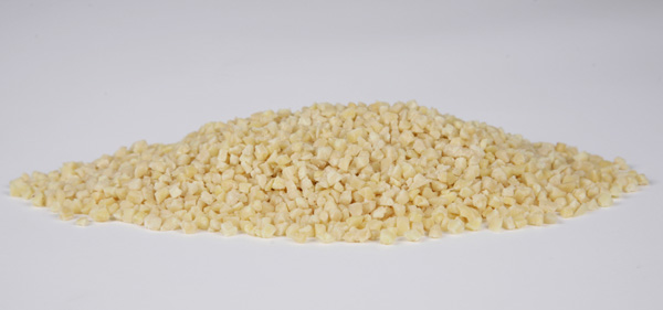 Blanched dices almonds 2-4mm